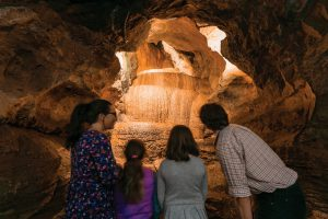 cheddar-gorge-caves-family